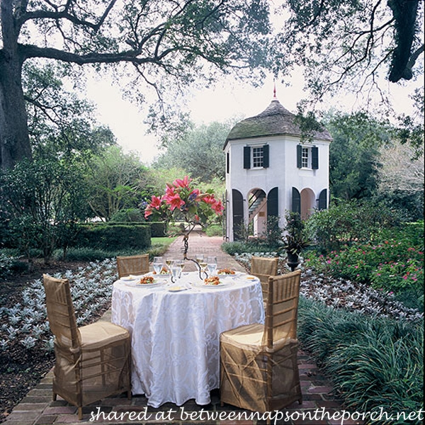 Dining in the Garden at Houmas House Plantation