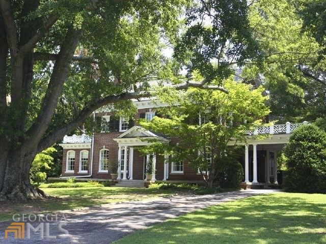 Historic home tour a classic revival for Home builders newnan ga
