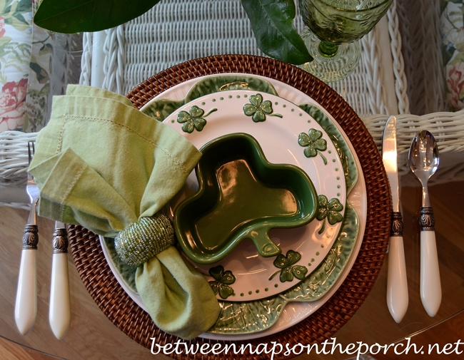 St. Patrick's Day Table Setting Tablescape