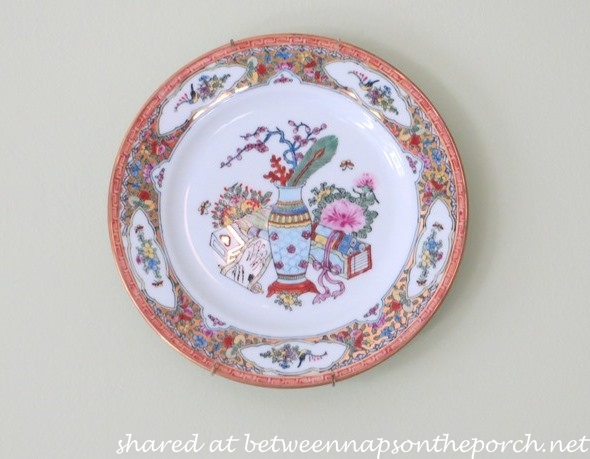 Decorate Walls with Plates
