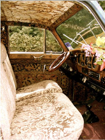 Magnolia Pearl's 1972 Airstream Trade Wind and Rolls Royce
