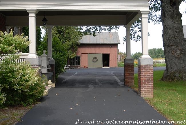 Porte Cochere Historic 1825 Home and Farm