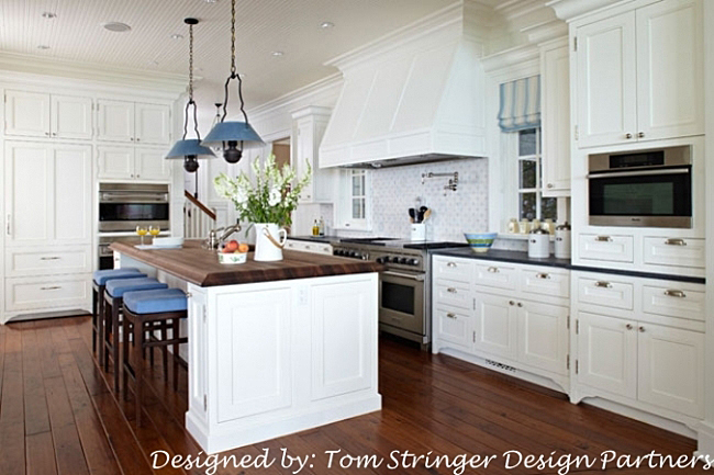 White Kitchen in Lake Home on the Water
