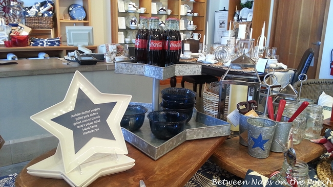 White Star Plates and a Star 3-Tiered Tray