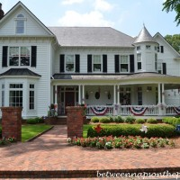 A Patriotic Porch for the 4th of July
