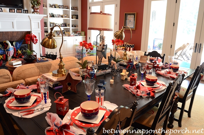 4th of July Patriotic Table Settings Tablescape with Patriotic Star Dishware 1_wm