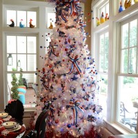 4th of July Decorating Ideas: Decorate a Tree