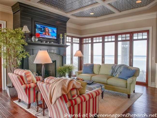 Waterside Home with Keeping or Hearth Room