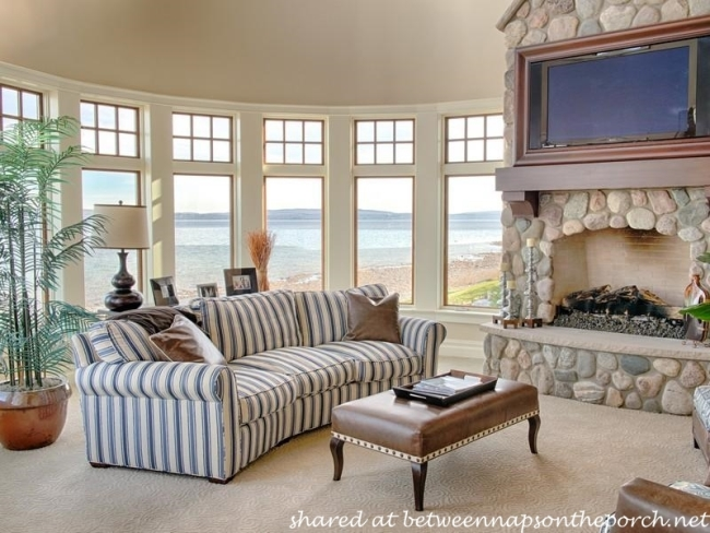 Family Room in Waterside Beach Home