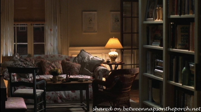 Living Room in Kathleen Kelly's New York Apartment in Movie, You've Got Mail 1