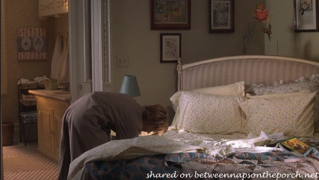 Living Room in Kathleen Kelly's New York Apartment in Movie, You've Got Mail 5