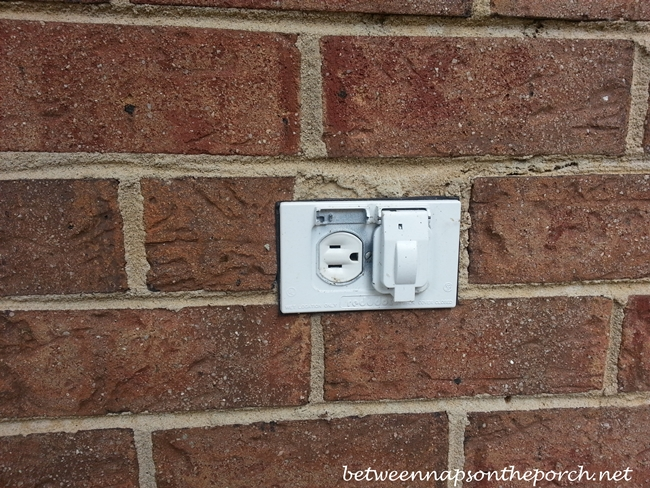 Broken Outdoor Outlet_wm