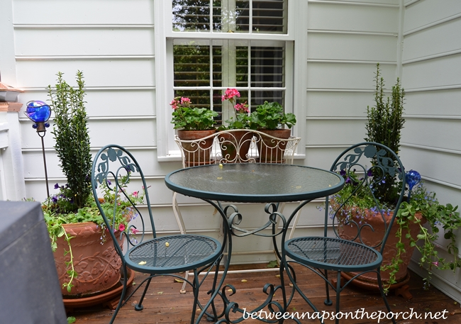 Decorating-the-Deck-with-Flowers-for-Spring-and-Summer-031