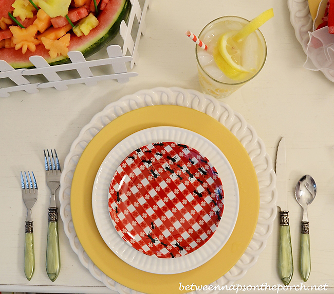 Ant-Appetizer-Plates-in-a-Summer-Table-Setting