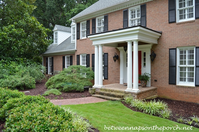 Foundation Plants for a Traditional House_wm
