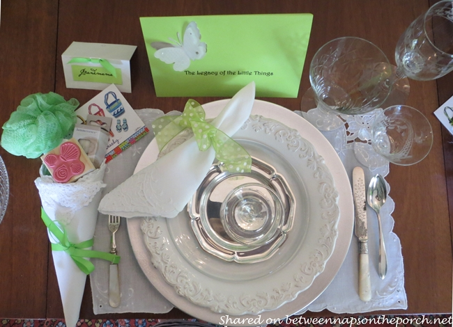Summer Beach Table Setting Tablescape in Green and White 5