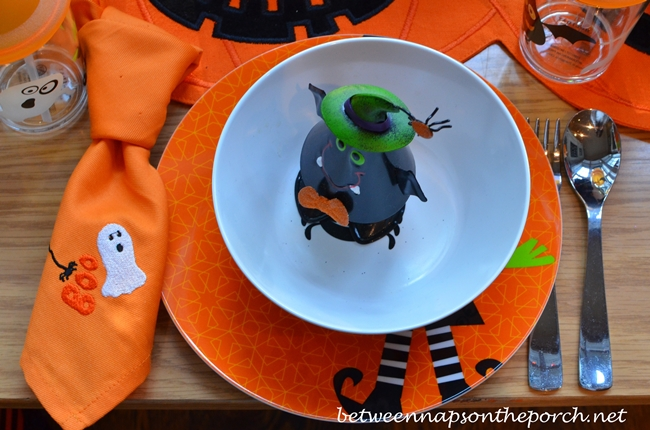 Children's Halloween Table Setting_wm