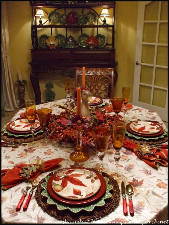 Fall Table Setting with Fall Leaves Dishware 9