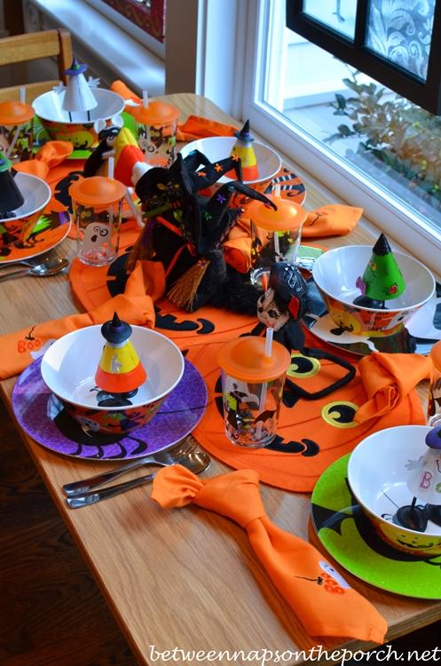 Fun Halloween Table Setting for Children_wm