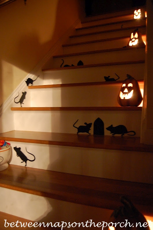 Staircase Decorated with Mice for Halloween_wm
