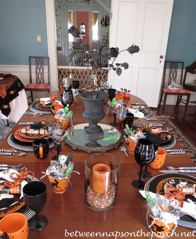 halloween table setting ideas. Black Bedroom Furniture Sets. Home Design Ideas