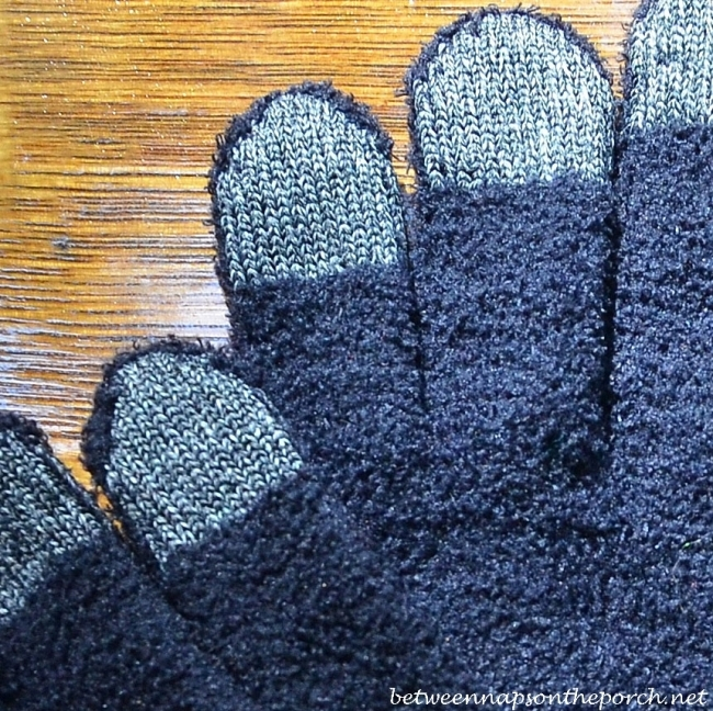 Gloves you can use with phone and ipad 3