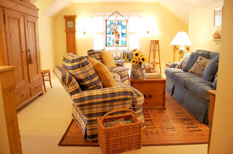 Upstairs Family Room Furnished with Antique Pine 1