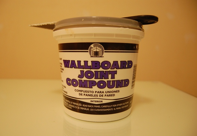 Wallboard Joint Compound for Repairing Walls