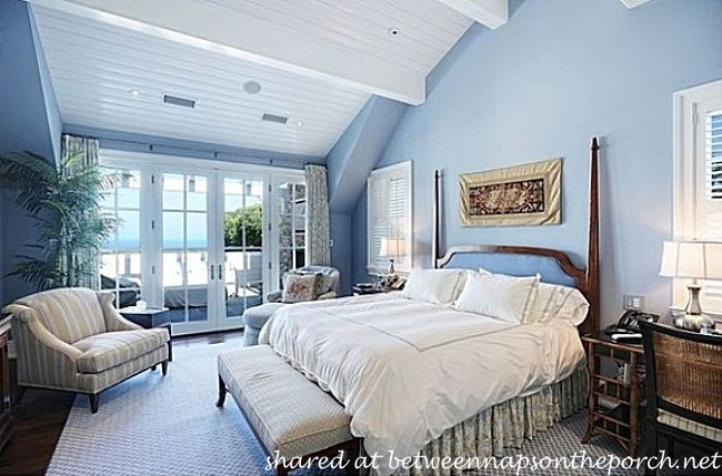 Blue and White Bedroom Howie Mandel's Home_wm