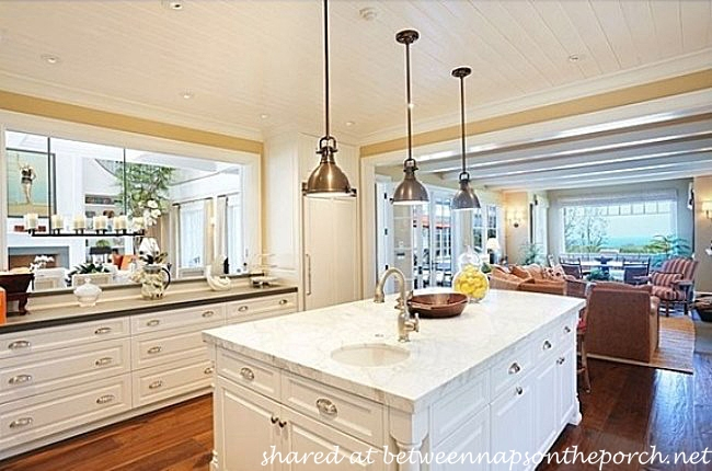 Kitchen in Home of Howie Mandel_wm