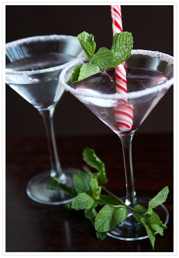 Peppermint Martini Christmas Beverage