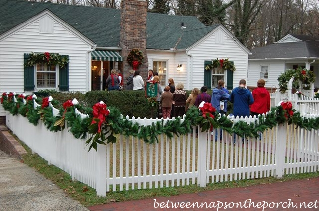 picket fence decorated with garland for christmas_wm - Christmas Mailbox Decorations Ideas