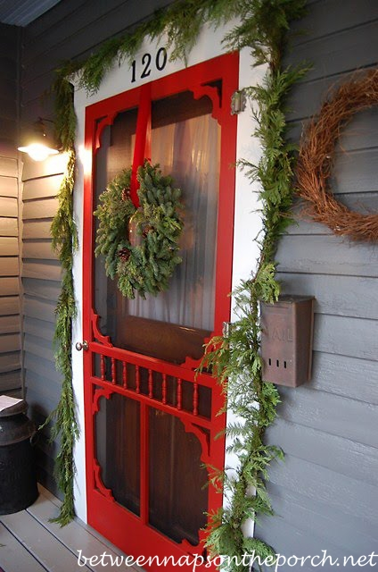 Wreath for a Screened Door_wm