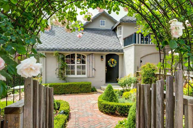 Carmel Cottage with Beautiful Gardens 1