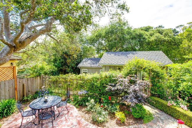 Carmel Cottage with Beautiful Gardens 6