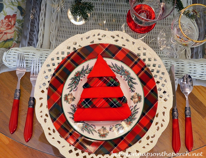 Christmas Tablescape Table Setting with Plaid Dishware, Spode Christmas Tree Garland