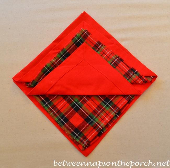Christmas Tree Napkin Fold 08