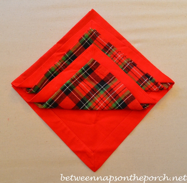 Christmas Tree Napkin Fold 09