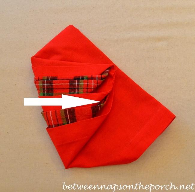 Christmas Tree Napkin Fold 12