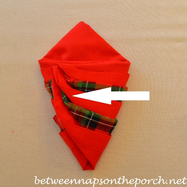 Christmas Tree Napkin Fold 13