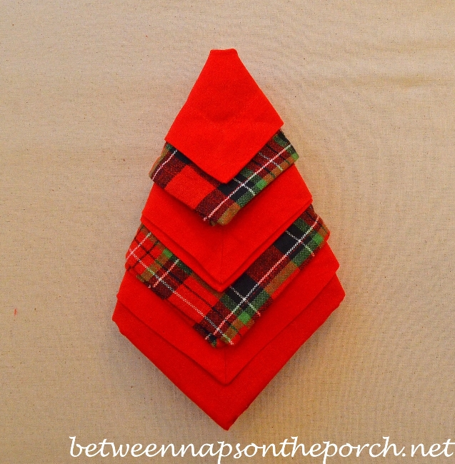 Christmas Tree Napkin Fold 14