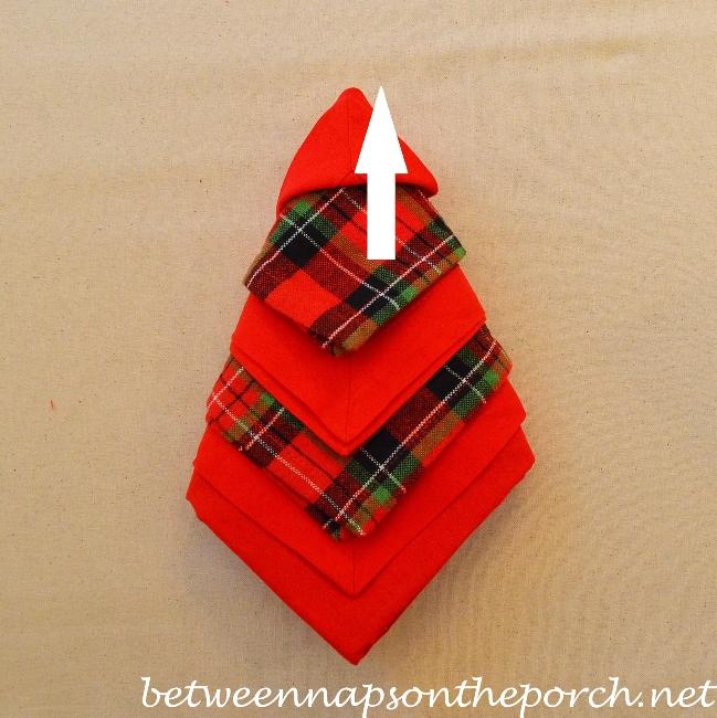 Christmas Tree Napkin Fold 15