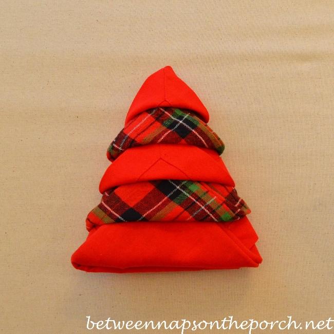 Christmas Tree Napkin Fold 18
