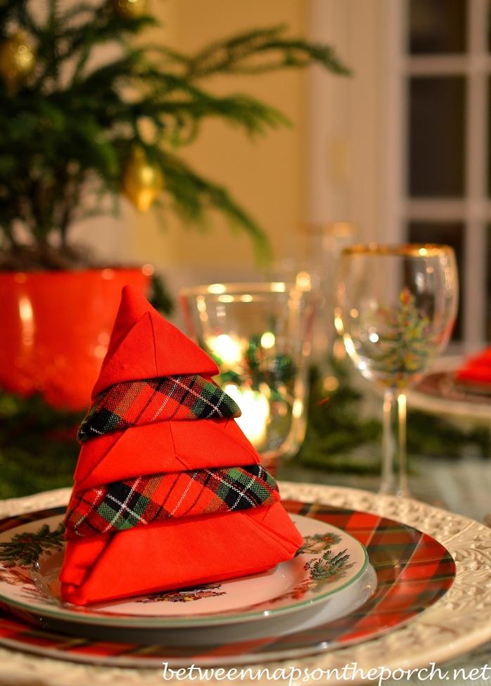 Christmas tree napkin fold 2 wm
