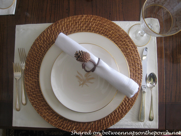 Make Pinecone Napkin Rings