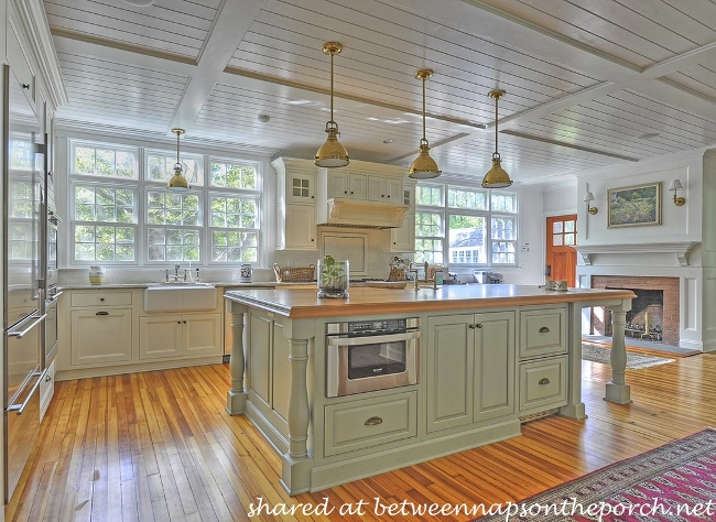 10 Beautiful Dream Kitchens Cottage French Country And Traditional At Its Best