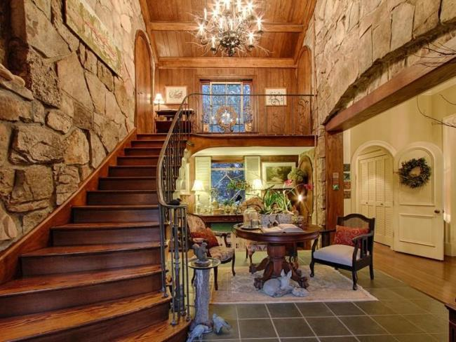 Fairytale Storybook Home on Elder Mountain in Tennessee
