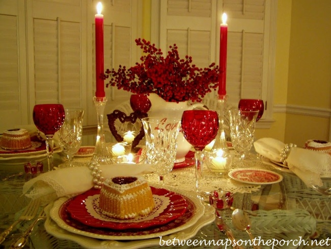 Valentines-Day-Table-Setting-Tablescape-1_wm