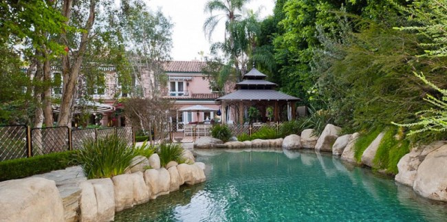 Christina Aguilera's Mansion Home