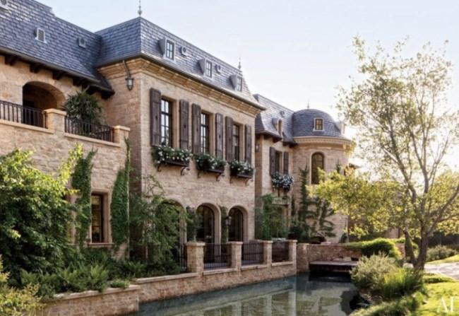 Gisele Bundchen & Tom Brady's Brentwood Estate